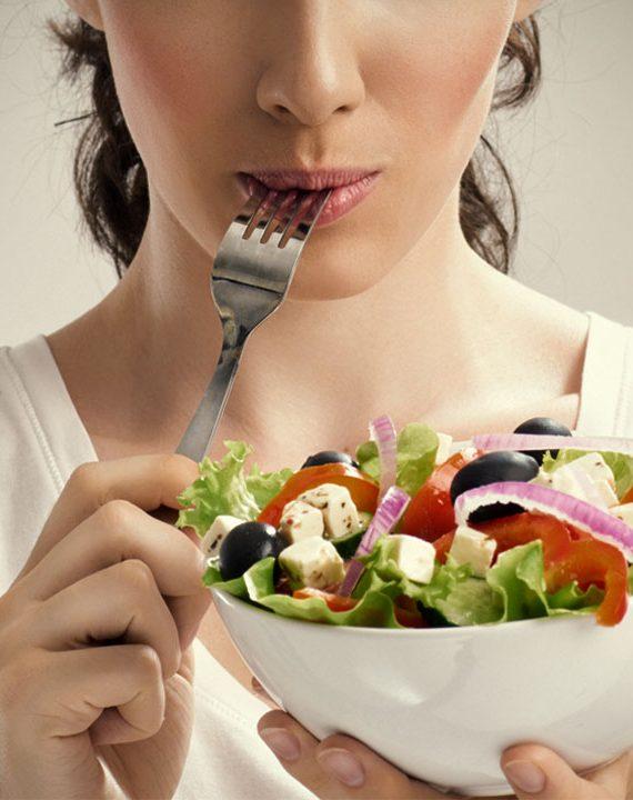 Για ποιούς λόγους πρέπει να μασάμε σωστά την τροφή μας ;