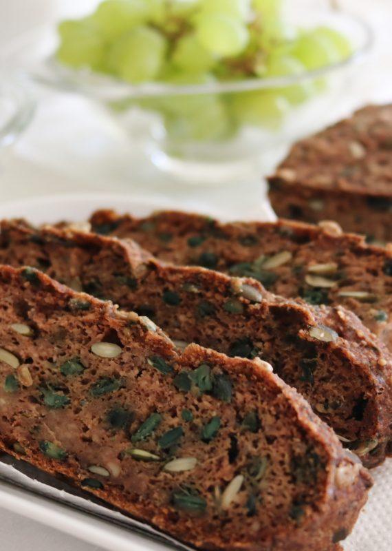 Vegan Ψωμί με Αλεύρι Αμυγδάλου και σπόρους | Mama Earth